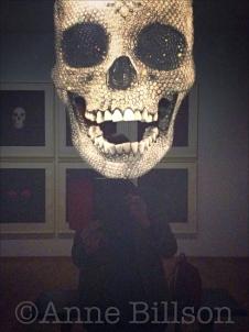 Gemeentemuseum: Memento (Skull) (2008) by Damien Hirst.