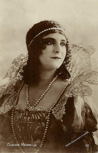 Claude Mérelle as Milady in Les trois mousquetaires (1921)