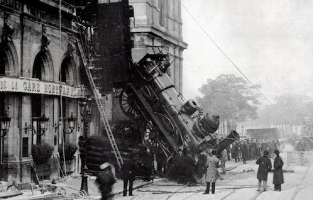 Train_wreck_at_Montparnasse_1895_21-628x401