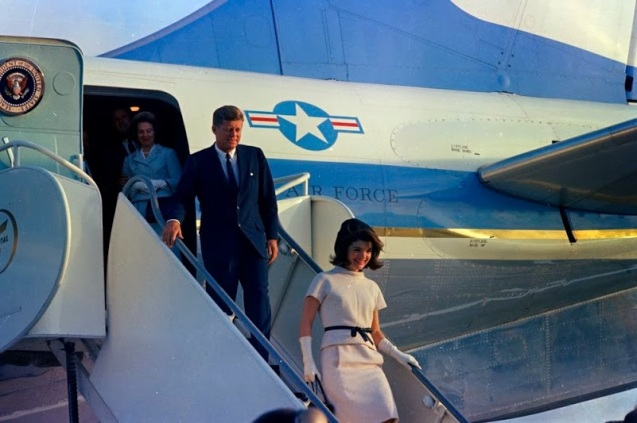 JFK-Arrival-In-Houston-Texas-November-21-1963--01