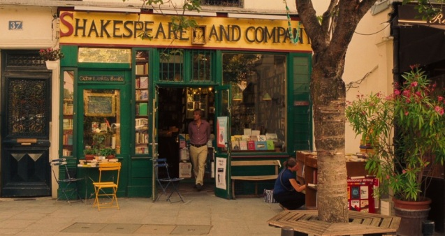 Owen Wilson visiting Shakespeare & Co - a vital stop on any American tourist's visit to Paris.