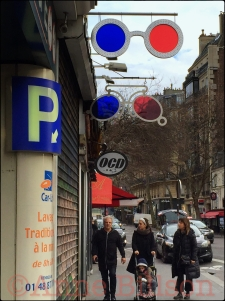 Rue Saint-Antoine.