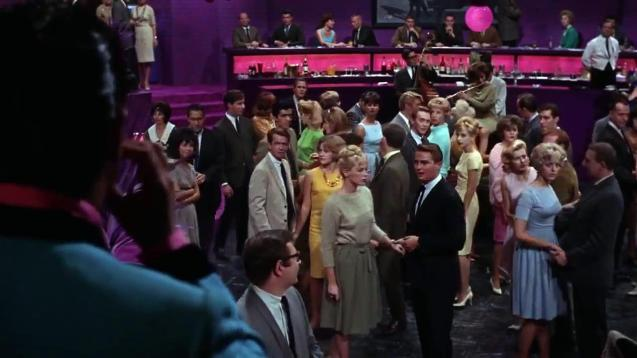 Jerry Lewis entering the nightclub in The Nutty Professor (1963)