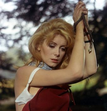 deneuve tied up